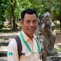 Pic: by @bipolarmoodsinpty - our guide in Cambodia